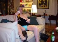 Je bois une grande bière - photos coquines couple