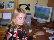 s'exhibe dans sa chambre - étudiante blonde