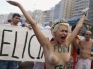 Femen manifestation femme nue