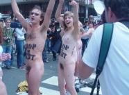 sexe poilus - Manifestation nue