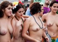 Paires de nibards - Manifestation nue