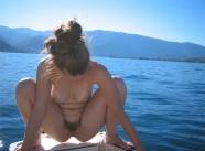 Accroupie - Sexe bateau