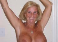gros seins - Vieille 60 ans